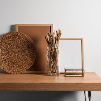Diseño de escritorio interior minimalista.