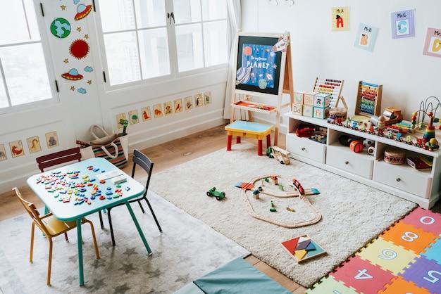 Diseño interior de un aula de jardín de infancia.