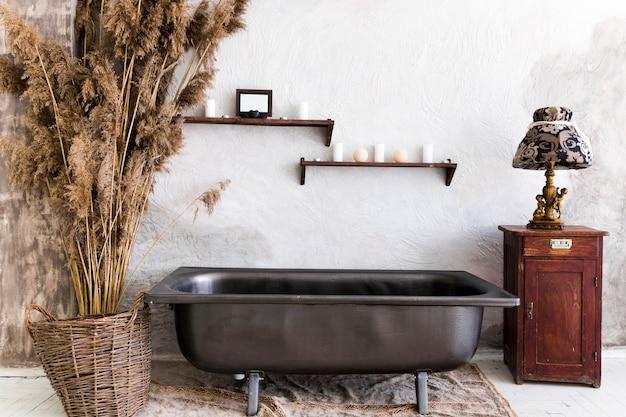 Diseño interior con bañera vintage.