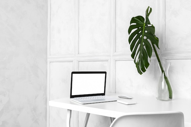 Diseño interior de oficina en casa creativa