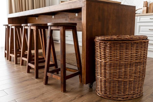 Diseño de interiores de cocina de muebles de madera