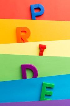 Diseño y letras abstractas de la bandera del orgullo del arco iris