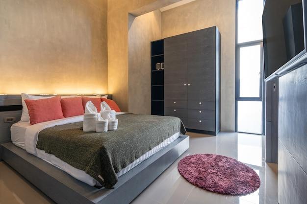 Diseño de loft interior en dormitorio moderno.