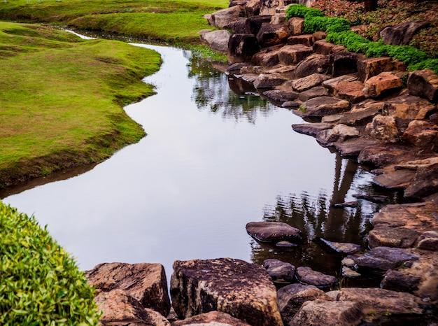 Diseño de paisaje de lujo del jardín tropical. hermosa vista del paisaje tropical