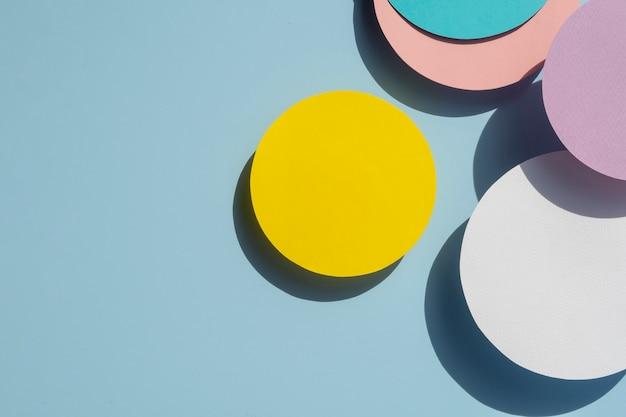Diseño de papel de círculos abstractos de vista superior