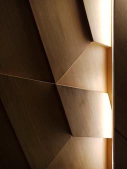 Diseño de pared de madera clara.