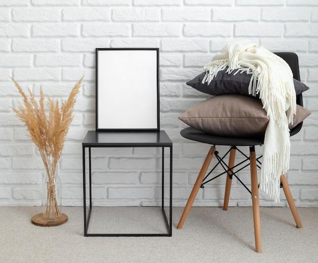 Diseño de sala de casa con espacio de copia.