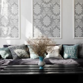 Diseño de sala de estar con un cómodo sofá.