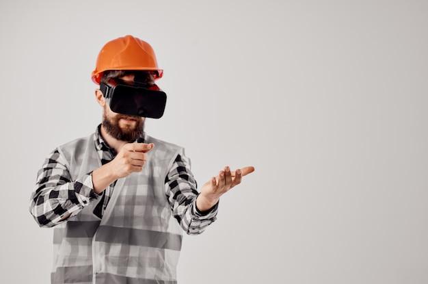Diseño de técnica de trabajo de construcción constructor masculino fondo aislado
