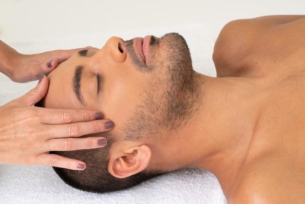 Disfrutando de mi sesión de masajes