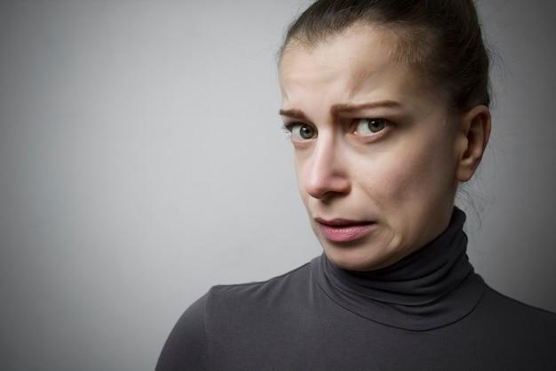 El disgusto es el retrato de una mujer.