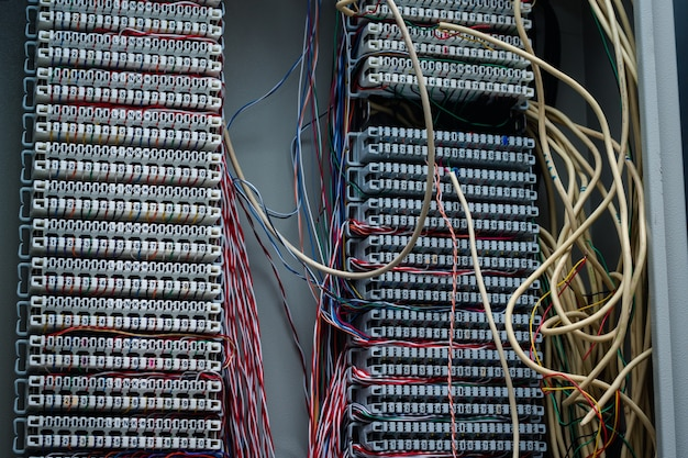 Disparo normal de cable telefónico, ranura para cable de cobre, cable multicolor, sistema de conexión del sistema de comunicación