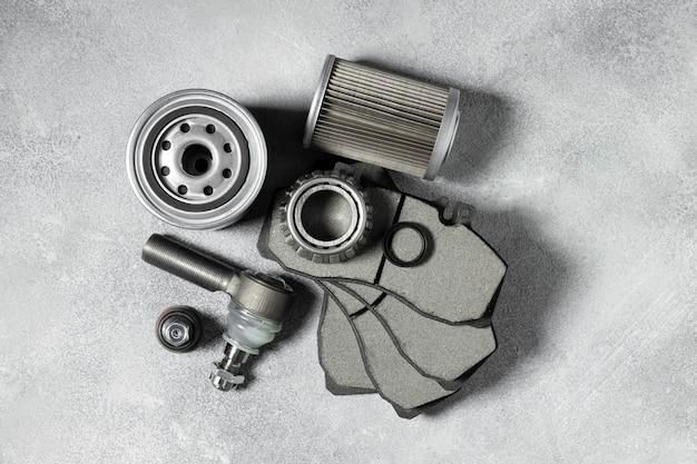 Disposición de diferentes accesorios de coche.