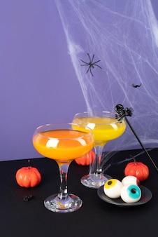 Disposición de elementos creativos de halloween.