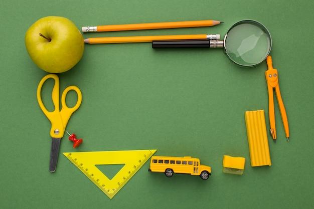 Disposición de los elementos del día del maestro.