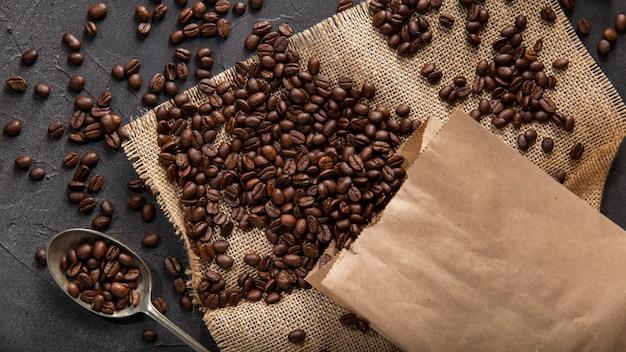 Disposición de granos de café planos