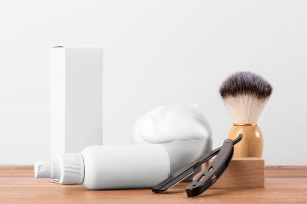 Disposición de herramientas de peluquería de vista frontal