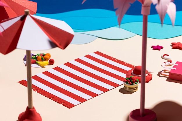 Disposición de playa de verano hecha de diferentes materiales.