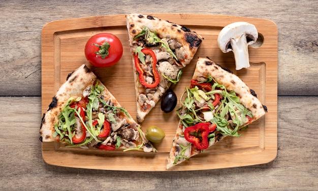 Disposición de rebanadas de pizza planas