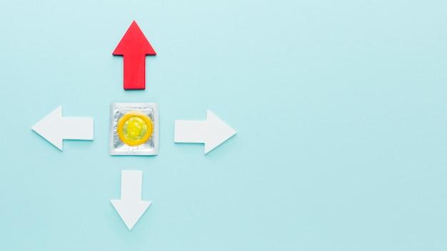 Disposición de la vista superior del concepto de anticoncepción con espacio de copia