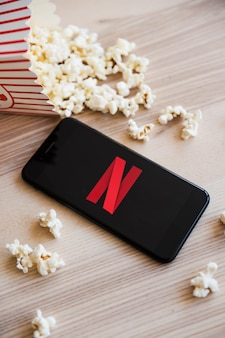 Dispositivo tecnológico con app de netflix