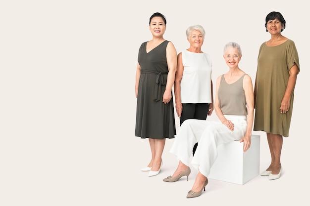 Diversas mujeres maduras en ropa casual retrato de estudio de cuerpo completo