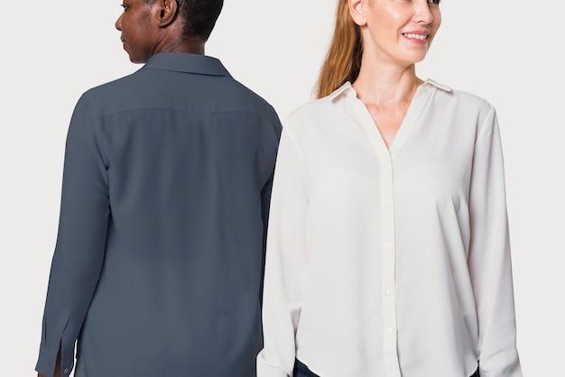 Diversas personas que usan camisas básicas de manga larga para anuncios de ropa.
