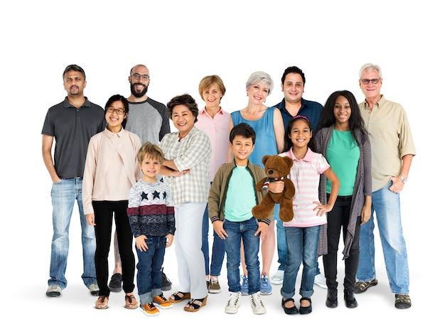 Diversidad de generaciones de personas reunidas estudio aislado