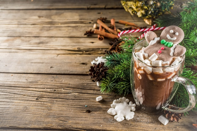 Divertido cacao navideño con malvavisco