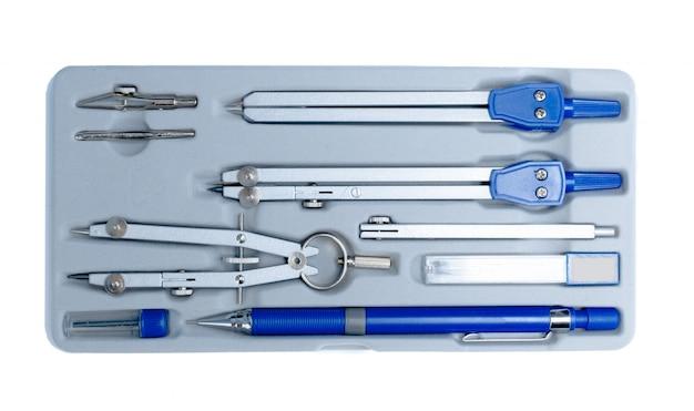 Divisores de ingeniería herramientas aisladas sobre fondo blanco.
