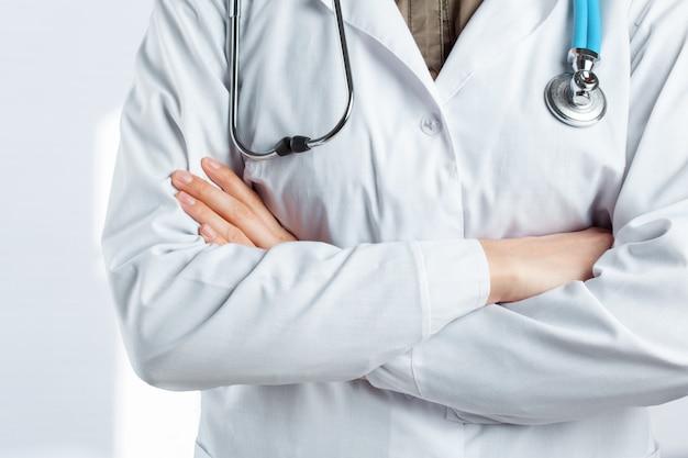Doctor con un estetoscopio