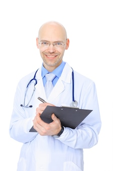 Doctor hombre con estetoscopio
