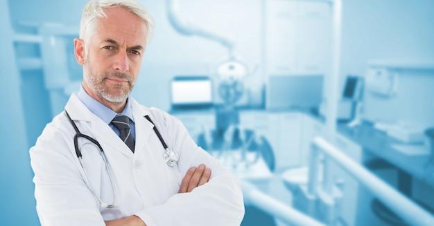 Doctor en medicina moderna enfocada masculina
