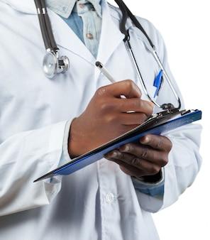 Doctor con rotafolio aislado en blanco