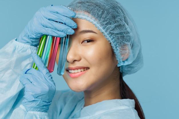 Doctora asiática gripe y virus en china, coronavirus 2019-ncov