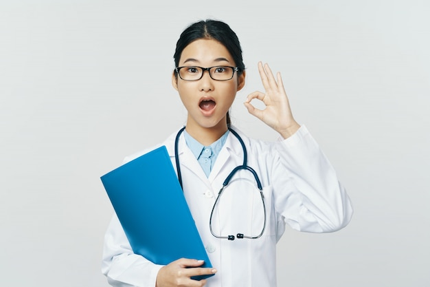 Doctora asiática gripe y virus en china