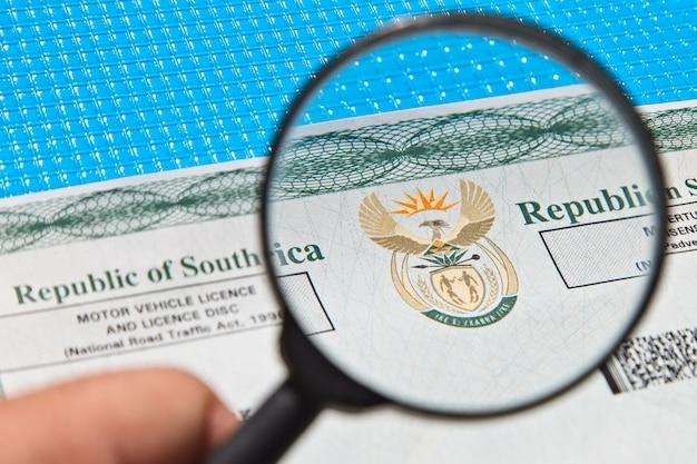 Un documento de licencia de vehículo de motor de sudáfrica