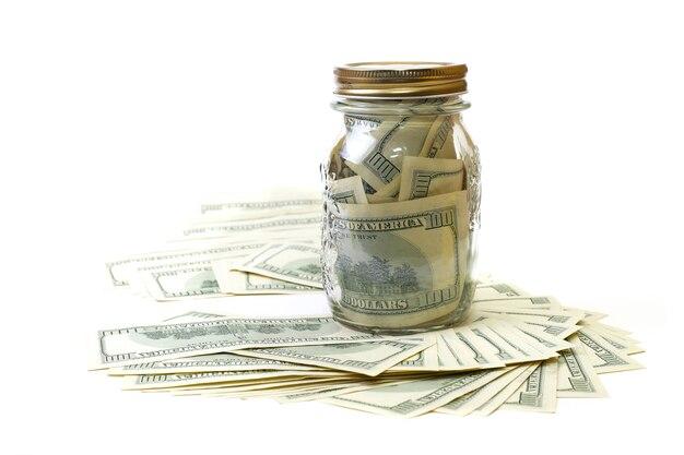 Dólar en el banco sobre un fondo blanco.