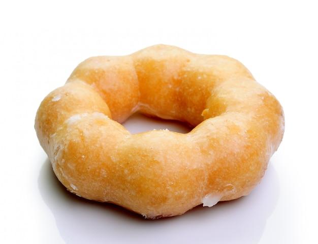Donut aislado sobre un fondo blanco.