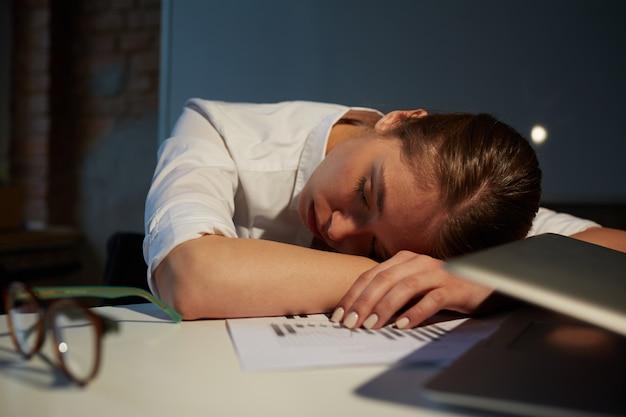 Dormir en la oficina