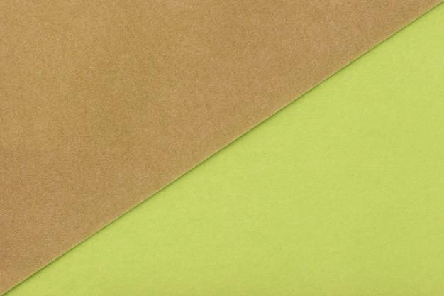 Dos colores de fondo marrón y sombra verde.