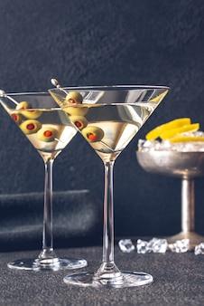 Dos copas de cóctel de martini