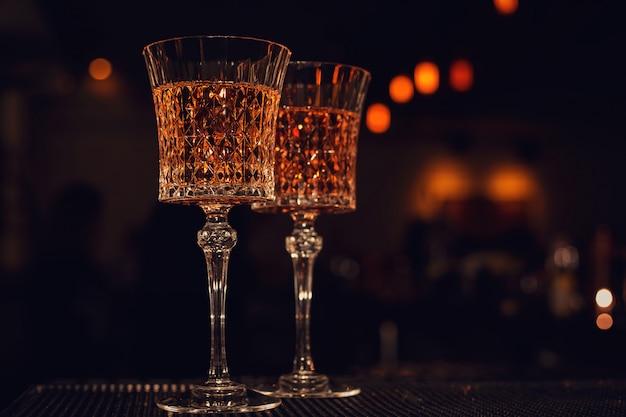 Dos copas de vino