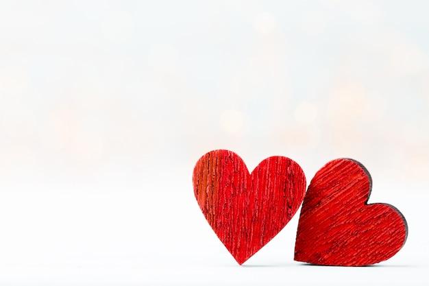 Dos corazones. tarjeta de felicitación del día de san valentín.