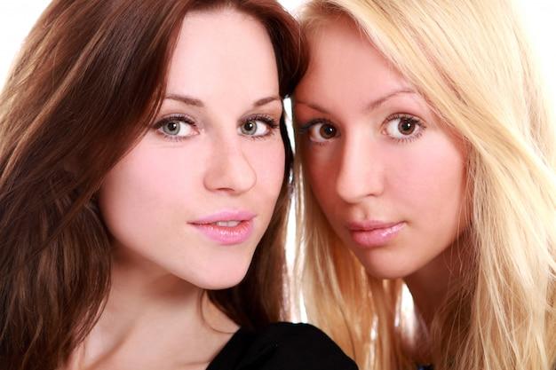 Dos hermosas amigas