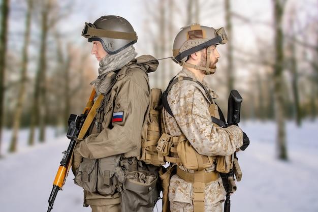 Dos soldados de la fuerza especial