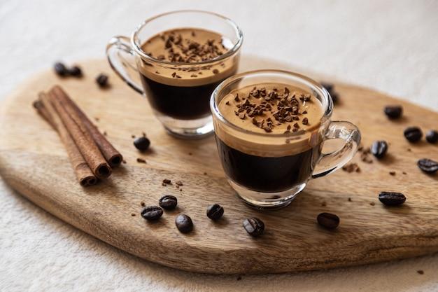 Dos tazas de café expreso