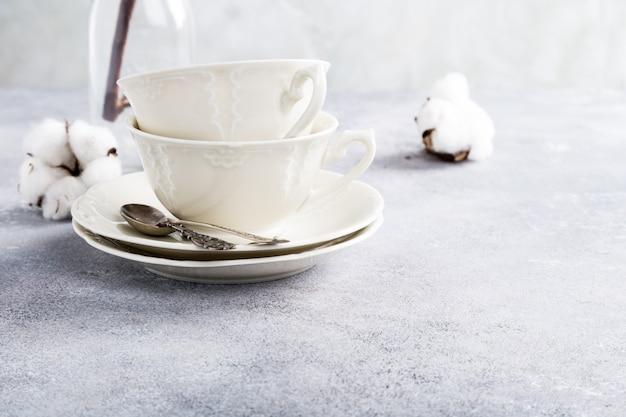 Dos tazas de té de porcelana retro