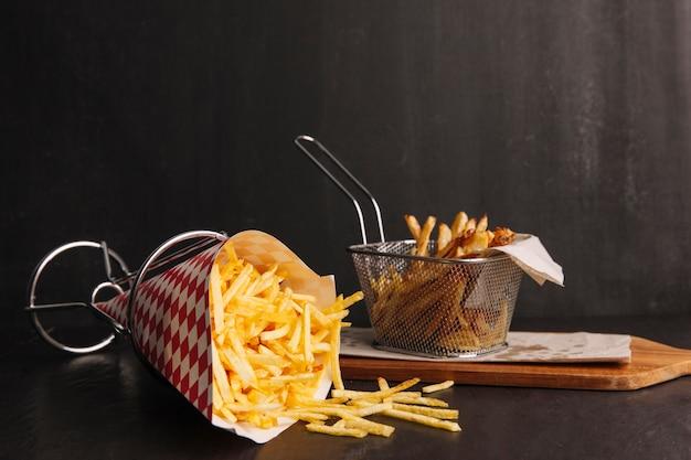 Dos tipos de patatas fritas