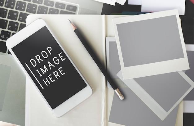 Drop image here data concepto de internet de dispositivos digitales